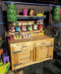 wood pallet garden potting table