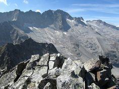 Now I know why it was so dangerous to try to escape to Spain during World War 2 Les originalités géologiques des Pyrénées : Glaciers des Pyrénées - Maladeta et Aneto