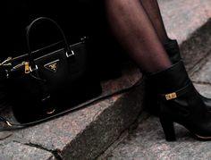 Prada Bag 2  http://uino.indiedays.com/2014/11/22/uino-wears-prada/