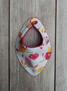 Bavoir bandana ,bavoir anti bavouille pour bébé thème petits nichoirs envers éponge fuchsia,tour de cou réglable : Mode Bébé par ma-petite-fabrik