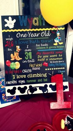 A great idea for the cake table of a Mickey Mouse party