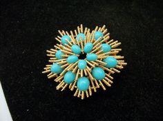 Matky rádi šperky - Vintage Avon Faux tyrkysové a zlato tón špičatý Brož - Signed Velkou narozeniny, Anniverary, Den matek dárek