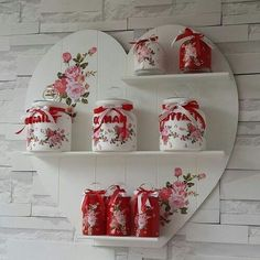 Nazlı Aksu: Kokoş Home - SHELVES and JARS We offer you excellent ideas to decorate your house, follo Diy Home Crafts, Jar Crafts, Wood Crafts, Diy Home Decor, Decoupage Jars, Decoupage Paper, Diy Para A Casa, Shabby Chic Kitchen, Valentine Decorations