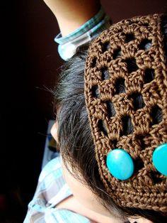 crochet headband with buttons - cute!