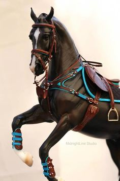 Model Horse Tack by MidnightLine Studio Model Horse Tack by MidnightLine Studio - Art Of Equitation Schleich Horses Stable, Clydesdale Horses, Horse Barns, Horse Riding Clothes, Horse Show Clothes, Miniature Horse Tack, Bryer Horses, Barrel Racing Horses, Horse Saddles