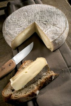 Fromage AOP Saint-Nectaire
