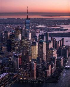 One World Trade Centre New York New York Life, New York Art, One World Trade Center, Trade Centre, Liberty Island, City Aesthetic, New York Girls, I Love Ny, Dream City