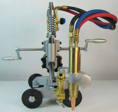 Manual Pipe Gas Cutting Machine PipeMaster CG2-11G :http://toolsforwelding.com/manual-pipe-gas-cutting-machine-cg2-11g/