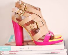 Zapatos decorados con esmaltes de uñas