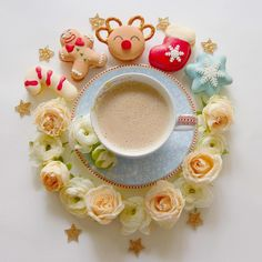Christmas Coffee, Merry Christmas, Coffee Art, Coffee Shop, Cuppa Joe, Coffee Cookies, Latte Art, Coffee Drinks, Tea Time