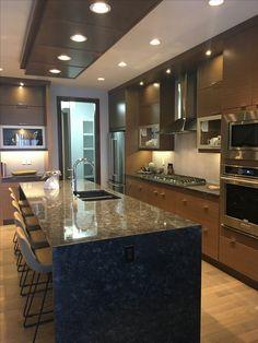 Kitchen Room Design, Luxury Kitchen Design, Kitchen Dinning, Luxury Kitchens, Home Decor Kitchen, Modern House Design, Interior Design Kitchen, Modern Kitchen Interiors, Modern Kitchen Cabinets