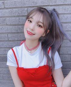 South Korean Girls, Korean Girl Groups, Loona Kim Lip, Wendy Red Velvet, Bts And Exo, Cute Korean, Popular Music, Electronic Music, Ulzzang Girl