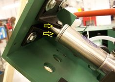 Plate 2A  -  SR-489 Cylinder Pivot Oil Points