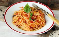 Spaghete rapide cu sos de rosii Pot Pasta, Ethnic Recipes, Mai, Food, Hoods, Meals