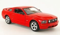 Ford Mustang GT 2005 rot 1:24 Welly