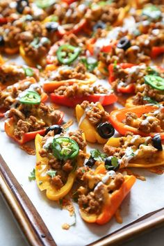 Loaded mini bell pepper nachos – game changer!! These low-carb nachos are loaded with turkey taco meat, cheese and all your favorite nacho toppings! With Superbowl happening this weekend, I thought th