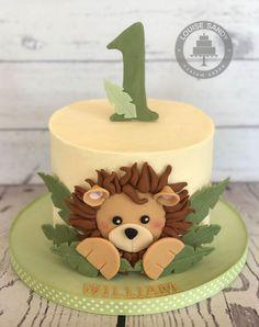 Jungle Birthday Cakes, Jungle Theme Cakes, Smash Cake First Birthday, Animal Birthday Cakes, Safari Cakes, Baby Boy 1st Birthday, 1st Birthday Cakes For Boys, Jungle Safari Cake, Jungle Cupcakes