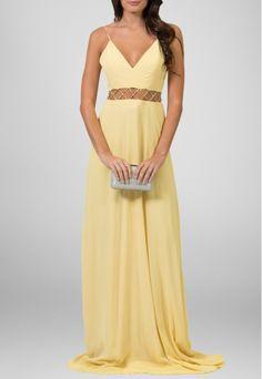 vestido longo, amarelo, dependendo dos acessorios vai de casual à festas.