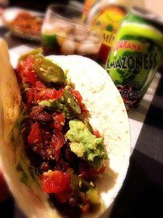 タコライスからのタコスはなかなかの食べ応え…。 テキーラをブラジルの国民的飲料ガラナのアサイー入り♡で割りました。 アマゾネス…凄いネーミングですね - 187件のもぐもぐ - tacos アップ。そしてガラナ。 by romie