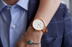 Exquisite minimalist watch with high quality components by iKi Studio. Versatile as fashion watch or dress watch for men and women. Latest Watches, Watches For Men, Christian Paul Watch, Stylish Watches, Watch Brands, Stainless Steel Case, Fashion Watches, Daniel Wellington, Sapphire