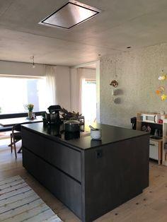 #furniert #granit #küchenblock #küche #wunderschön #wohnen Designer, Kitchen Island, Home Decor, Made To Measure Furniture, Custom Kitchens, Carpentry, Home Architect, Granite, Homes