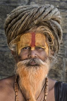 by Hamed AlGhanboosi Sadhus India, Modern India, Portrait Photography Men, Old Faces, Village People, Creepy Pictures, Face Men, Historical Pictures, Interesting Faces