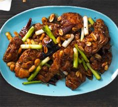 Gunpowder chicken with dried red chillies & peanuts (works very well also with pork or beef!)