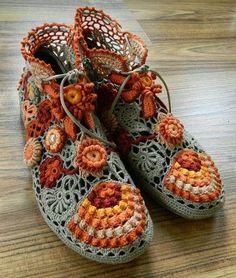 Sapatos de Crochê, como fazer   Inspiração, tutoriais e referências em Crochet  Shoes                                                                                                                                                                                 Mais