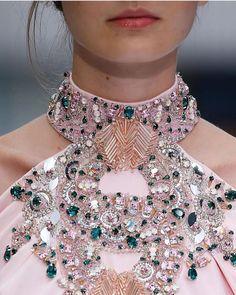 Elegant Dresses, Beautiful Dresses, Nice Dresses, Pink Fashion, Couture Fashion, Fashion Dresses, Outfit Graduacion, Ralph & Russo, Drape Gowns