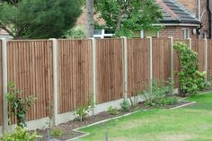 small back yard ideas with wood fence | Decorating Your Garden With Wooden Fence « Great Home Interior
