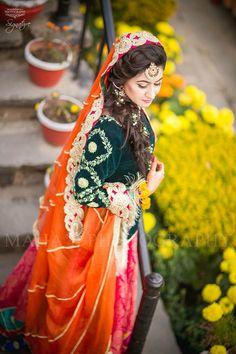 Bridal Mehndi Dresses, Pakistani Wedding Dresses, Bridal Outfits, Beautiful Bride, Beautiful Dresses, Nice Dresses, Mayon Dresses, Bridle Dress, Mehndi Outfit
