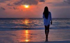 Sei tu che la mattina accendi il sole e il tuo respiro è vento di carezze Sei tu il regalo più bello di questa vita sei il dono Divino e poi morire solo di te nell'alchimia del tuo amore e a…