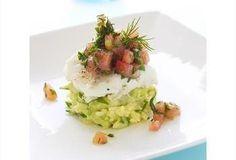 Gepocheerde kabeljauw met puree van lente ui, tartaar van tomaat en tuinkruiden