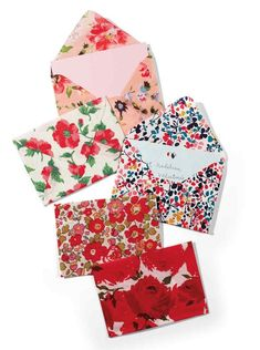 Fabric Envelope - Those bits of fabric youve been holding on to now have a purpose. Keepsake fabric envelopes are a cinch to make and are perfect for encasing a homemade valentine. Homemade Valentines, Valentine Crafts, Sewing Projects, Craft Projects, Scrap Fabric Projects, Sewing Ideas, Craft Ideas, Fabric Envelope, Diy Envelope