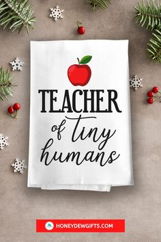 Planning to buy an appreciation gift for your teacher? This teacher kitchen towel resonates with the noble mission of every teacher, so every educator will appreciate this gift. Easy to use and easy to maintain, this flour sack towel gets A+ for approval. #giftideaforteacher #teachergift #preschoolteachergift #giftforher #cuteteachergifts