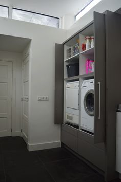 Appliances behind retracted doors, exactly the same, including draws ect Laundry In Kitchen, Laundry Closet, Bathroom Closet, Laundry In Bathroom, Interior Design Living Room, Living Room Designs, Window In Shower, Vintage Laundry, Paint Colors For Living Room