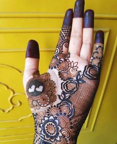 Explore Latest Arabic Mehndi Designs 2020 Which are Simple & Gives a Rich Look. Choose Your Favourite Easy Arabic Mehendi Design for Hands. Pakistani Henna Designs, Arabic Bridal Mehndi Designs, Engagement Mehndi Designs, Rose Mehndi Designs, Mehndi Designs For Girls, Stylish Mehndi Designs, Dulhan Mehndi Designs, Mehndi Design Pictures, Mehndi Designs For Fingers