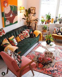 Colourful Living Room, Boho Living Room, Living Room Decor, Bedroom Decor, Bohemian Living, 70s Bedroom, Gothic Bedroom, Living Room Colors, Living Rooms