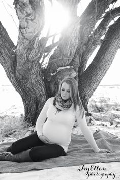 IvyElle photography {Edmonton Maternity Photographer}