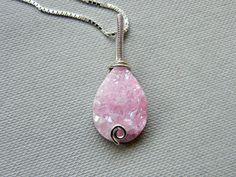 Druzy necklace, druzy silver necklace, pink quartz druzy pendant, dainty pink necklace, sterling silver quartz necklace, wire wrapped druzy