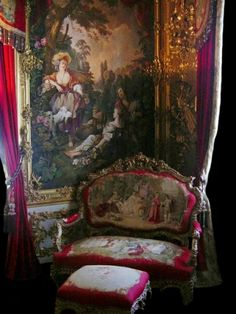 Tapestries in Versailles Victorian Interiors, Victorian Furniture, Victorian Decor, Victorian Homes, Victorian Era, Victorian Fashion, Antique Furniture, French Furniture, Victorian Tapestries