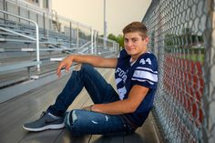 Football Senior Photos, Football Poses, Football Pictures, Cheer Pictures, Cheer Pics, Boy Senior Portraits, Senior Boy Poses, Senior Guys, Male Portraits
