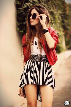 FashionCoolture - look du jour MiniMinou stripes Romwe jacket tshirt Fashion Moda, Look Fashion, Skirt Fashion, Womens Fashion, Fashion Black, Street Fashion, Cute Edgy Outfits, Beautiful Outfits, Summer Outfits