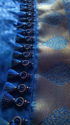 The beauty of benarsi sarees. Saree Kuchu New Designs, Saree Tassels Designs, Wedding Saree Blouse Designs, Saree Blouse Neck Designs, Simple Blouse Designs, Stylish Blouse Design, Pattu Sarees Wedding, Silk Thread Bangles Design, Designer Silk Sarees
