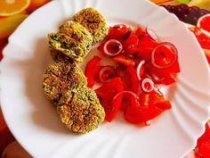 Chiftele de ricotta cu spanac și salată de roșii! Ricotta, Herbs, Food, Essen, Herb, Meals, Yemek, Eten, Medicinal Plants
