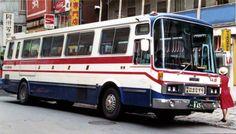 日本で最初の会員制ツアーバスと思われるバスを紹介します。 道北観光バス(稚内市)が札幌~稚内間に運行していた「特急はまなす号」です。車両はいすゞ/川崎の...