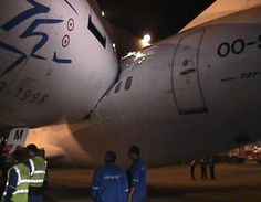 two 737 aircraft collide on runway