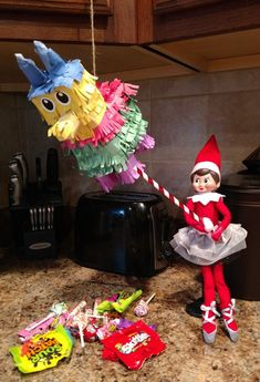 Fantastic Photos Elf on the Shelf - Piñata Popular Elf on the Shelf – Piñ. Fantastic Photos Elf on the Shelf - Piñata Popular Elf on the Shelf – Piñ. , on the shelf ideas Christmas Activities, Christmas Traditions, Birthday Elf, Awesome Elf On The Shelf Ideas, Elf Is Back Ideas, Elf On The Shelf Ideas For Toddlers, Der Elf, Elf Auf Dem Regal, Elf On The Self