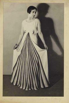 Elsa Schiaparelli en Elsa Schiaparelli, 1931 (Man Ray)