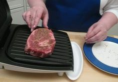 How to Grill a Steak to Perfection with the George Foreman Grill > Start Cooking